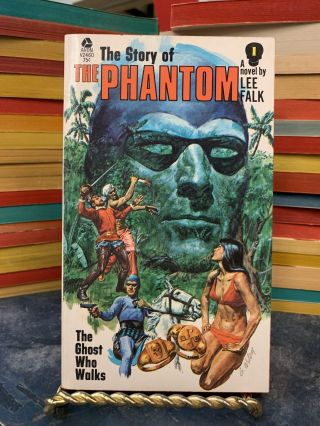 The Ghost Who Walks (The Story of the Phantom #1). Lee Falk