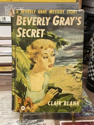 Beverly Gray's Secret. Clair Blank
